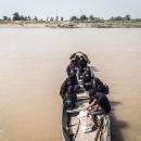 تصاویر تردد مردم روستاهای عنافچه با قایق