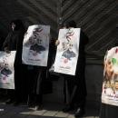 تصاویر تجمع جانبازان و ایثارگران مقابل سفارت سوئیس