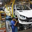 خُلف وعدهها، کاهش تیراژ خودروسازان را به همراه خواهد داشت