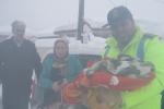 نجات جان مادر و کودک 6 ماهه از برف و کولاک توسط پلیس