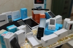 توقیف سواری هیوندای با محموله میلیاردی گوشی قاچاق در  - شهرضا -
