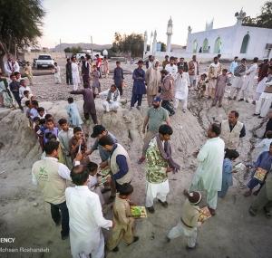 تصاویر حضور گروههای فرهنگی در مناطق سیلزده سیستان و بلوچستان