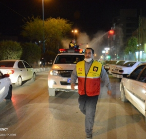 تصاویر ضد عفونی معابر و خیابان های اهواز توسط آتش نشانان