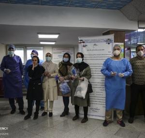 تصاویر تحویل سال نو در بخش کرونای بیمارستان بعثت